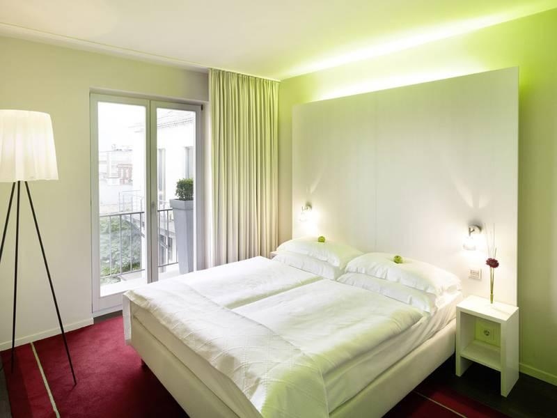 hotels in k ln parken k ln globus group. Black Bedroom Furniture Sets. Home Design Ideas